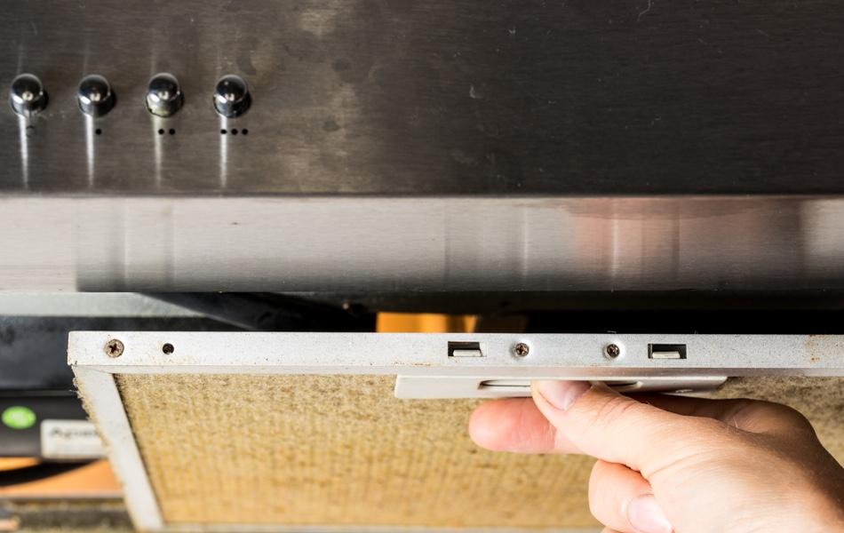 Častý problém: mastnota v kuchyni. Jak se jí zbavit?