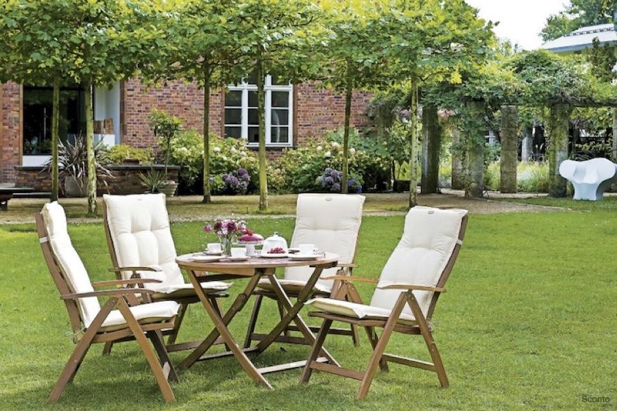Posezení venku – jaký je ideální nábytek na terasy nebo do zahrad?