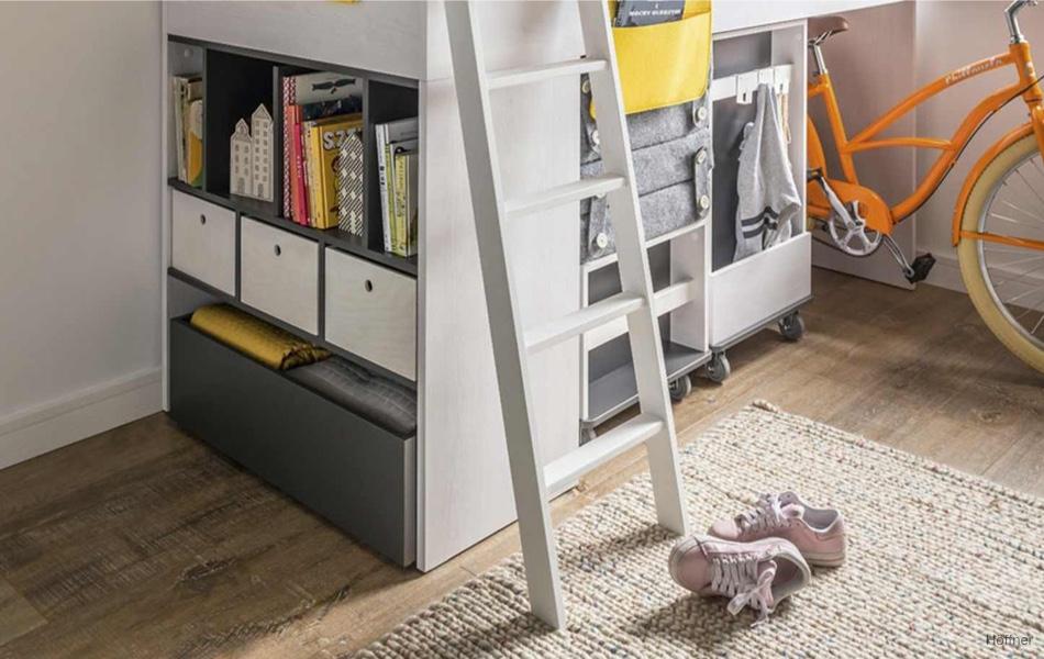 Málo místa v dětském pokoji? Zkuste pracovní koutek pod postelí