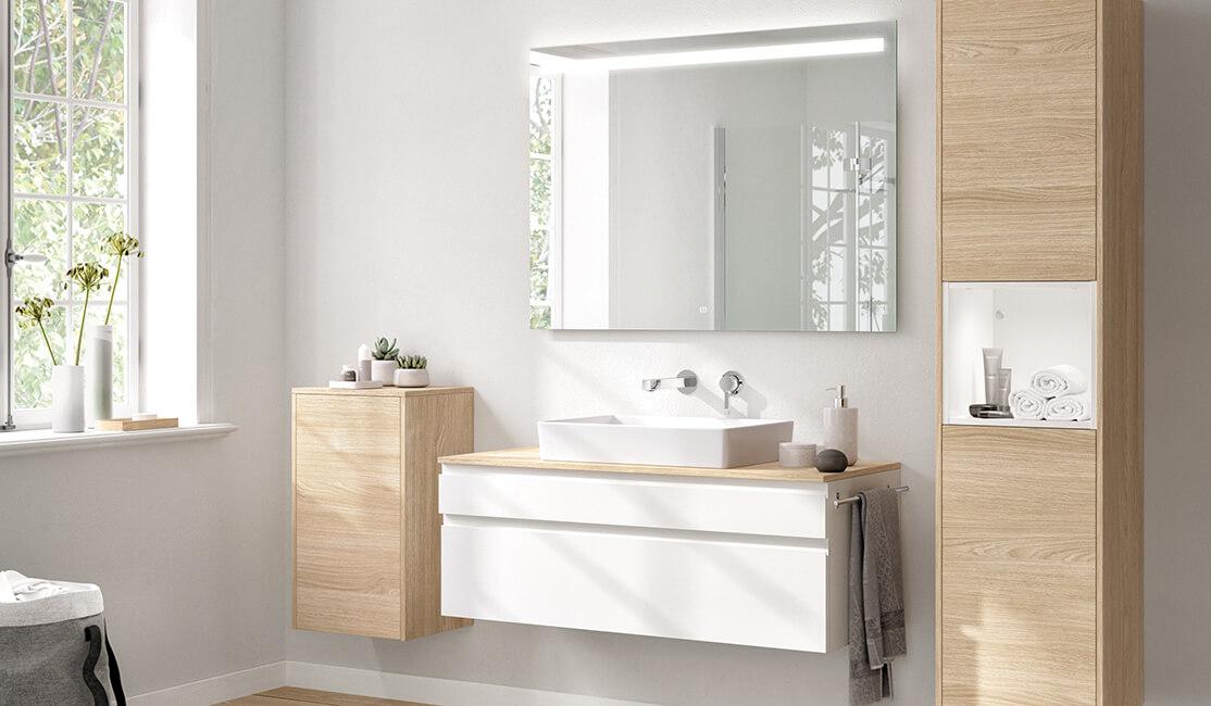 Koupelnový nábytek Inline z programu Více než kuchyň