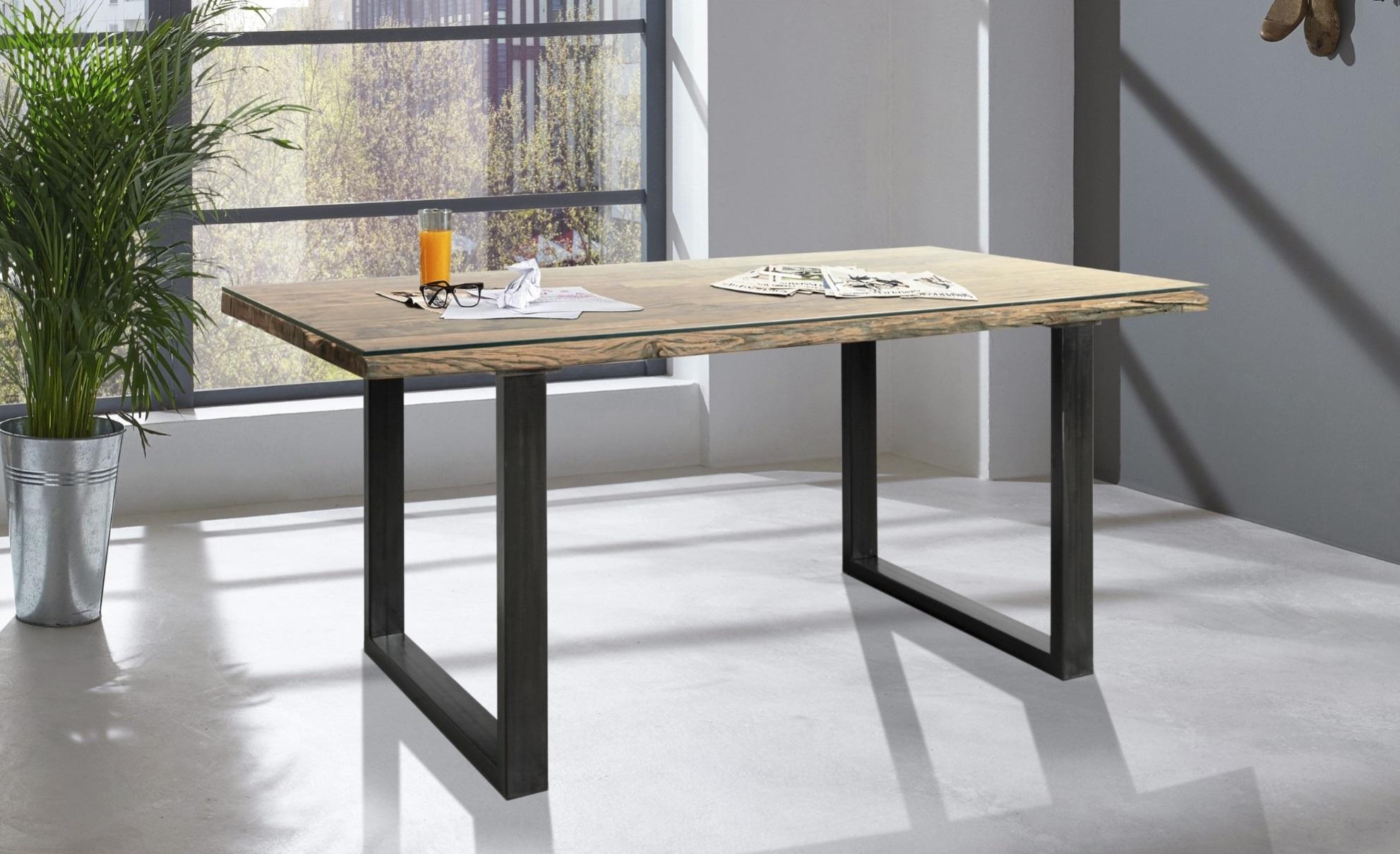 Stůl City kombinovaný z materiálů dřevo, kov a sklo